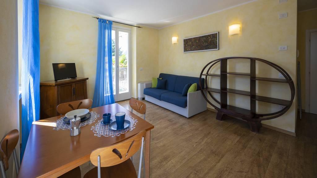 Villa-Bellaria-Bed-and-Breakfast-Riva-del-Garda-apartment-1-DSC0648