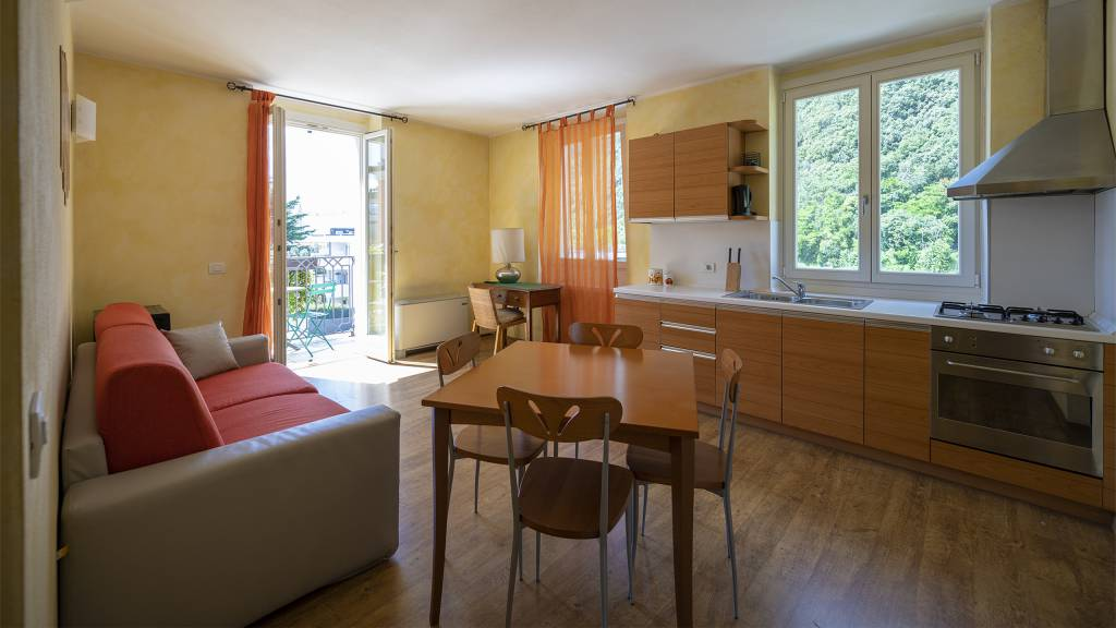 Villa-Bellaria-Bed-and-Breakfast-Riva-del-Garda-apartment-2-DSC0675