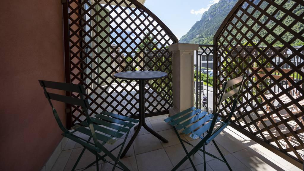 Villa-Bellaria-Bed-and-Breakfast-Riva-del-Garda-double-room-terrace-1-DSC0740