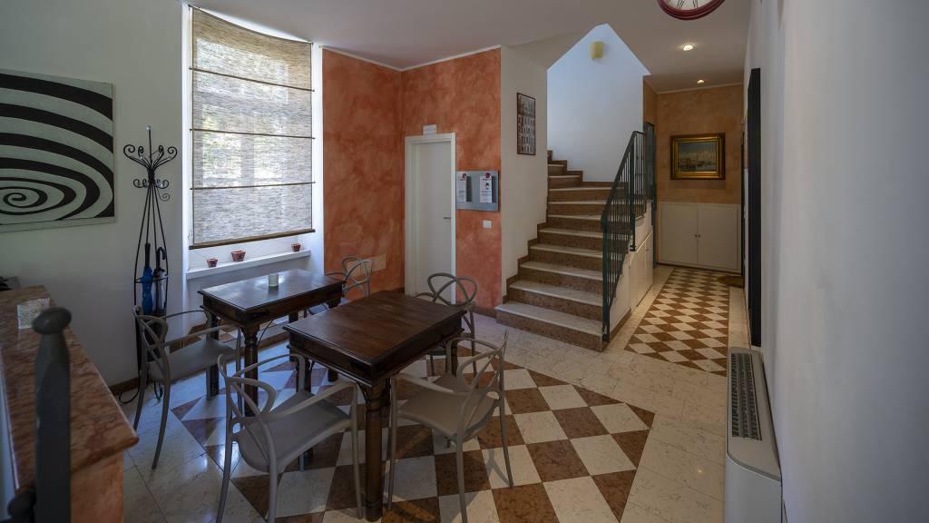 Villa-Bellaria-Bed-and-Breakfast-Riva-del-Garda-reception-DSC0986
