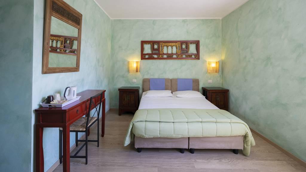 Villa-Bellaria-Bed-and-Breakfast-Riva-del-Garda-double-room-3-DSC0701