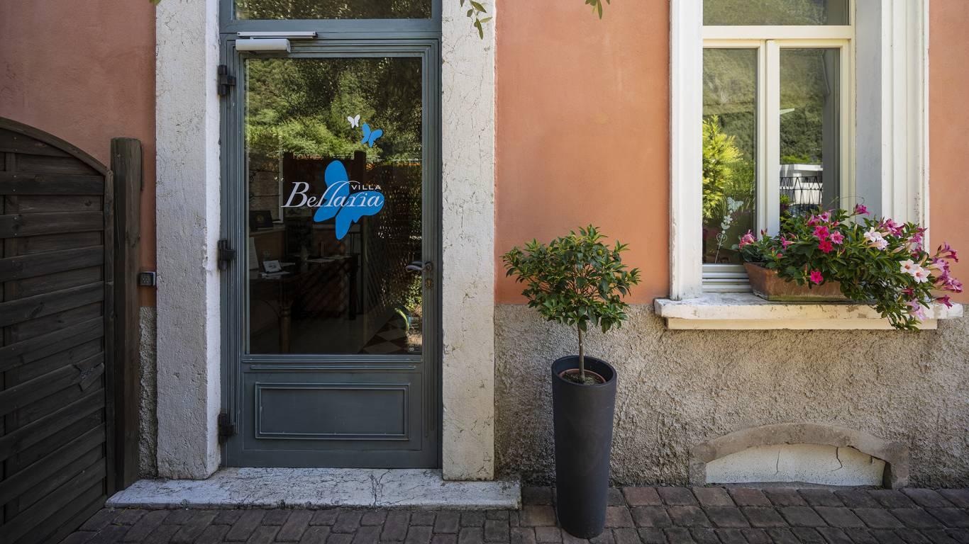 Villa-Bellaria-Bed-and-Breakfast-Riva-del-Garda-entrance-DSC0979