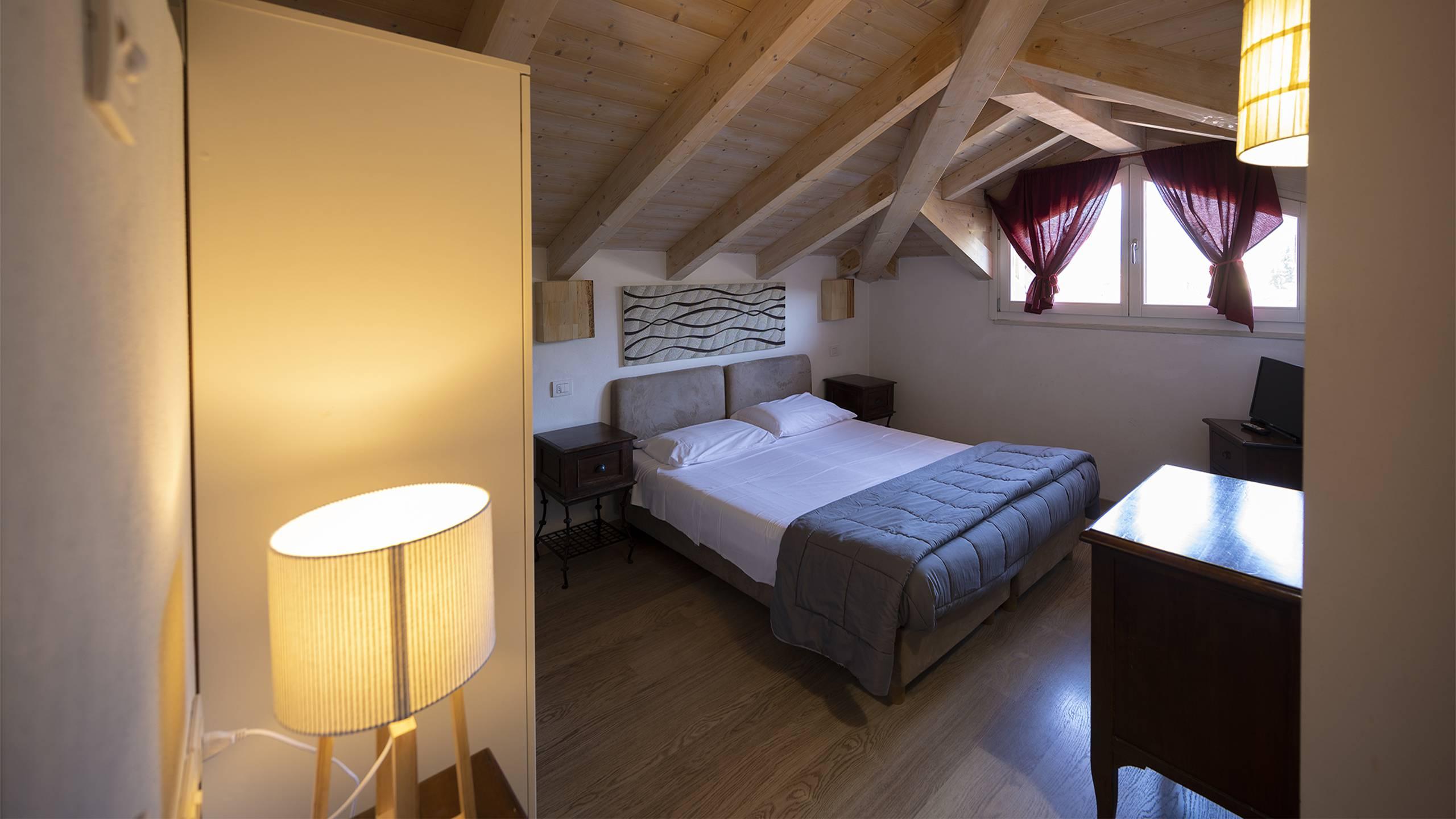 Villa-Bellaria-Bed-and-Breakfast-Riva-del-Garda-Dachboden-DSC0988