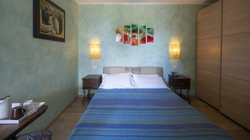 Villa-Bellaria-Bed-and-Breakfast-Riva-del-Garda-double-room-1-DSC0736