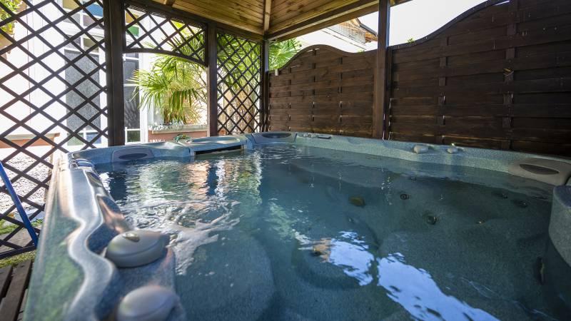 Villa-Bellaria-Bed-and-Breakfast-Riva-del-Garda-hydromassage-DSC0974
