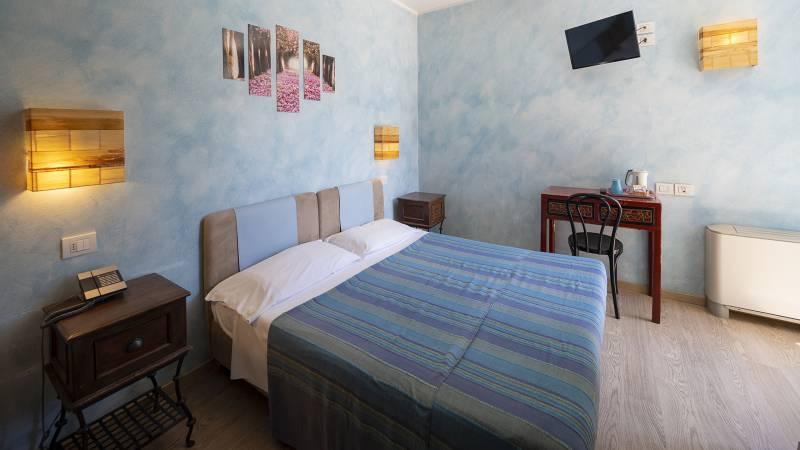 Villa-Bellaria-Bed-and-Breakfast-Riva-del-Garda-Doppelzimmer-2-DSC0722